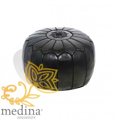 pouf design cuir marocain noir un pouf enti rement en cuir fabriqu et cosu la main. Black Bedroom Furniture Sets. Home Design Ideas